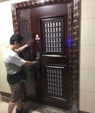防盗门维修,调门,修锁,保养