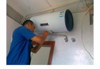 广州热水器维修现场实况