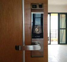 英州镇雅居乐清水湾/上门开锁/换锁/销售安装指纹锁/开汽车锁