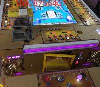 8人玩平板翻牌机保单机游戏机