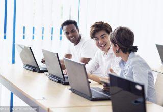 学平面广告设计,到福永智创电脑培训-福永电脑培训
