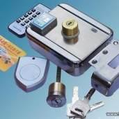 安装电子刷卡锁
