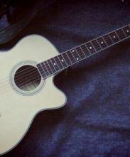 吉他的两位小伙伴!
