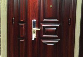 水晶城,香溢紫郡开锁换锁,安装防盗门,指纹锁配蓝牙卡