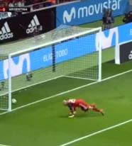 梅西缺阵伊斯科戴帽 西班牙6-1狂胜阿根廷