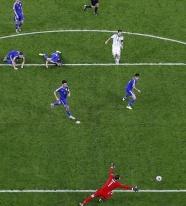 世界杯十大小角度进球 麦孔零度角射门传为经典