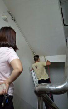 楼梯口漏水补漏