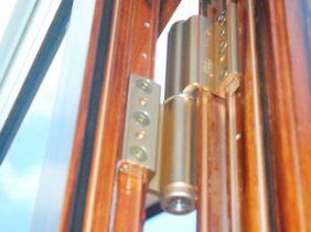 伊盾门窗液压自动闭门器