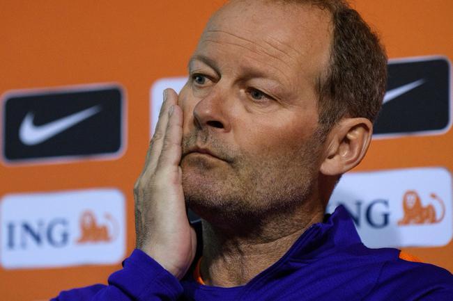 荷兰宣布主教练下课 世界杯资格告危紧急换帅