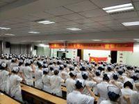 合肥卫生护理学校隆重举行十八岁成人宣誓仪式