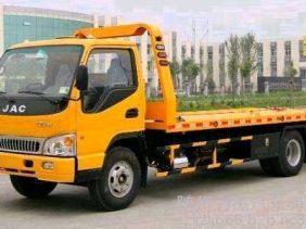 24小时汽车救援搭电换胎送油拖车随叫随到优质服务