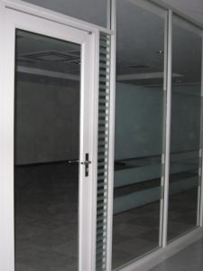 有框玻璃门