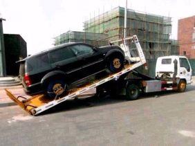 合肥24小时汽车救援搭电换胎送油拖车随叫随到优质服