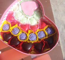南宁情人节礼物创意花冠新款代可可脂刻字DIY巧克力